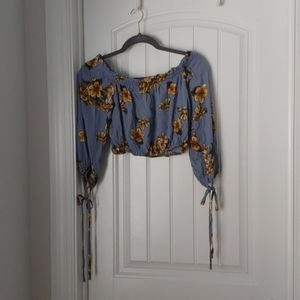 New without tags cropped floral blouse